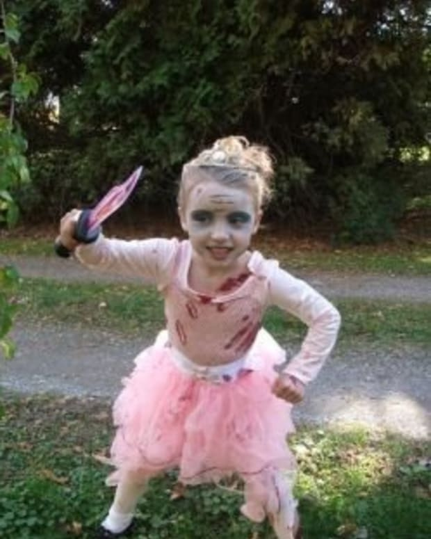 easy-zombie-princess-costume-idea