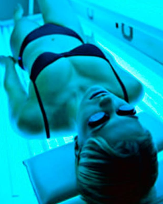 indoor-tanning-in-a-tanning-bed-101