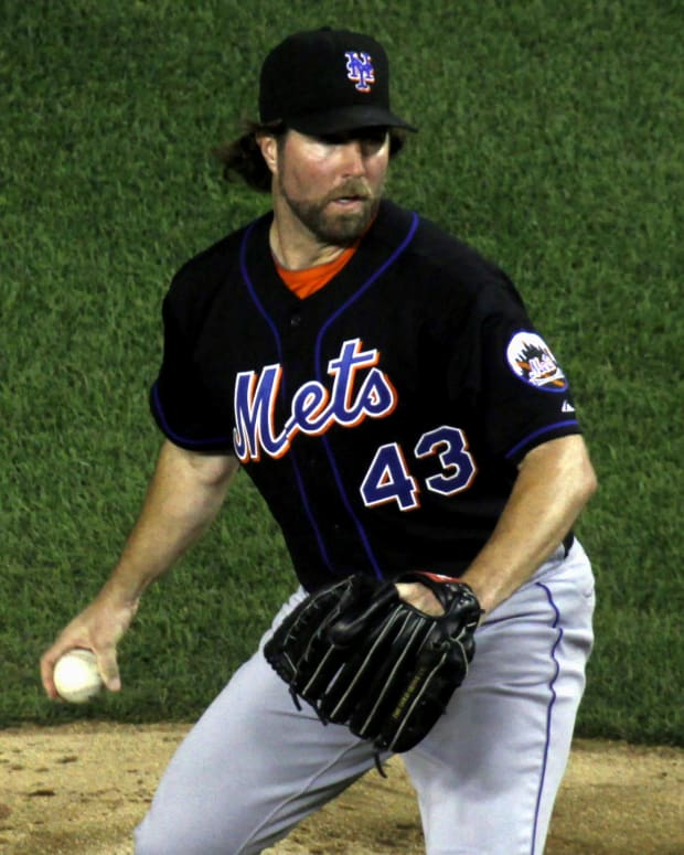 ra-dickey-athlete-of-the-month-november-2012