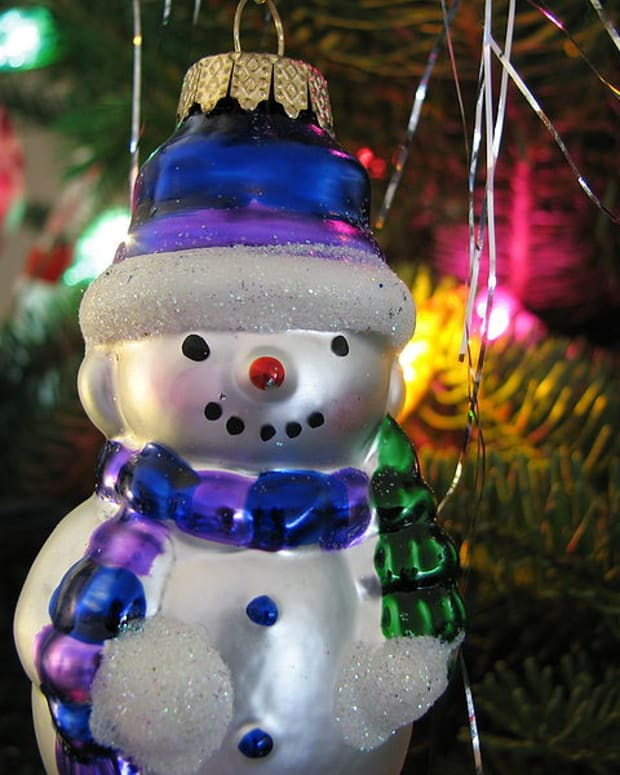 snowmen-ornaments-and-snowflake-ornaments-for-your-christmas-tree-decorations