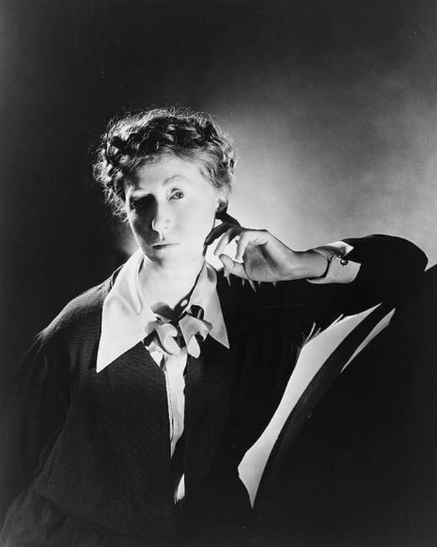 marianne-moore-her-poetry-explained