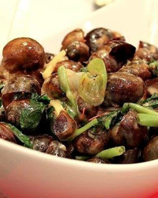 filipino-coconut-milk-snails-ginataang-kohol