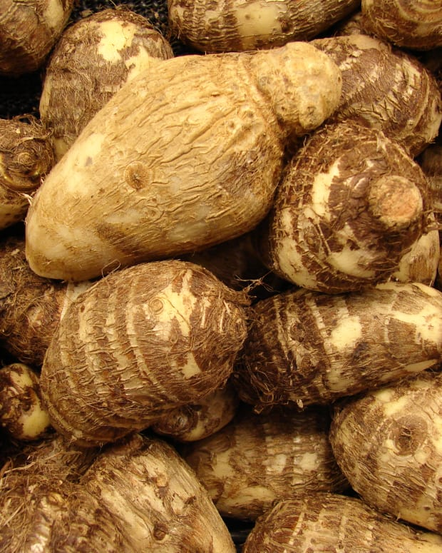 taro-colocasia-arbi-vegetable-nutrition-and-health-benefits