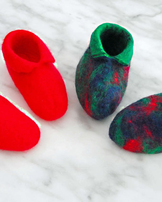 how-to-wet-felt-an-infants-pair-of-booties