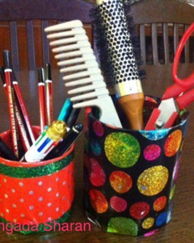 diy-craft-reuse-waste-material-to-make-attractive-pen-pencil-holder