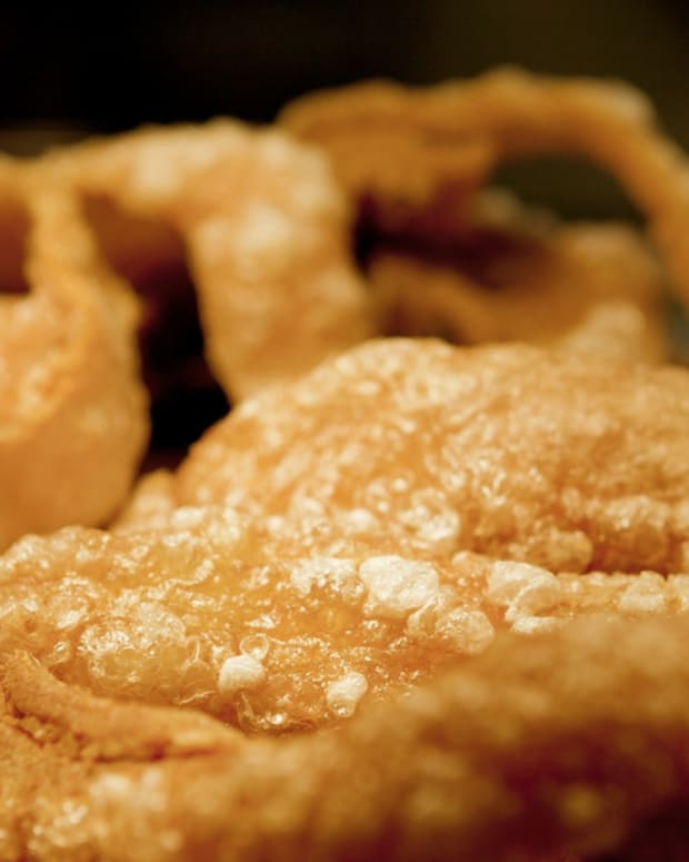 filipino-chicharon-fried-pork-rinds