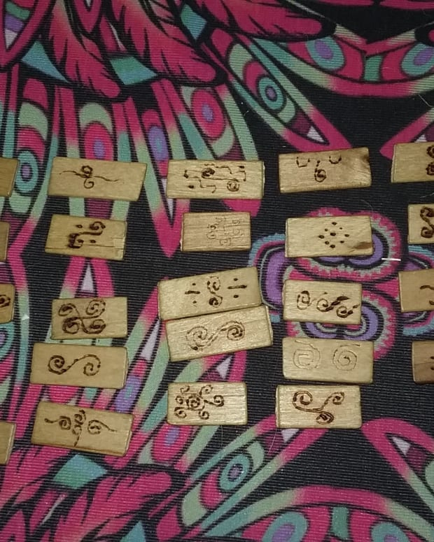 using-runes-to-improve-your-intuition-and-how-to-make-them