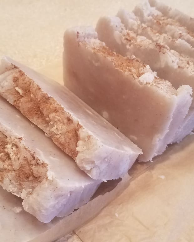 homemade-pumpkin-spice-soap-in-the-crockpot