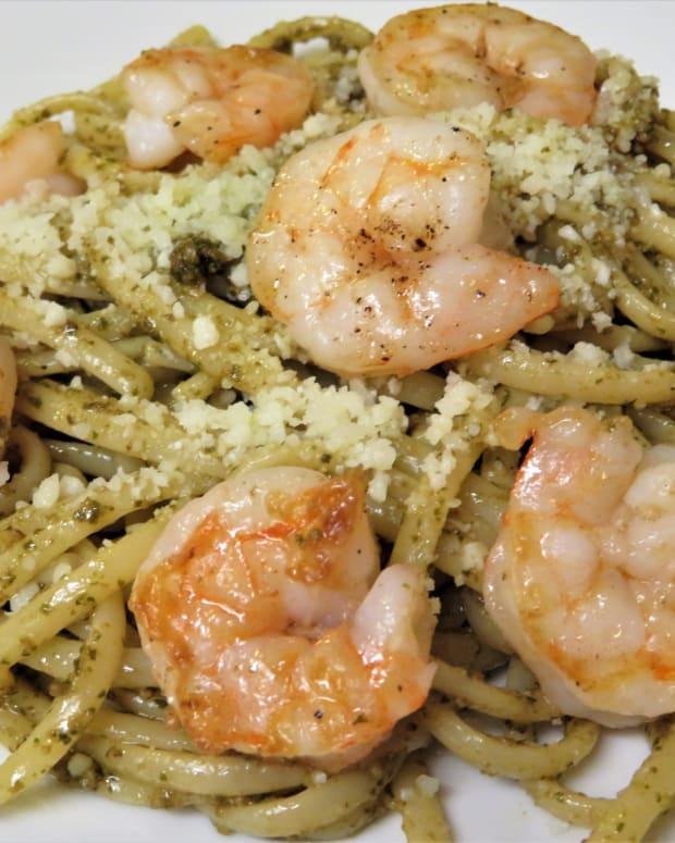 quick-and-easy-shrimp-linguini-and-pesto-entre-recipe