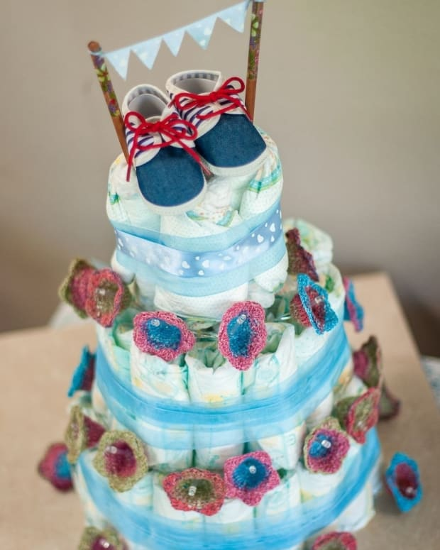 3-reasons-why-diaper-cakes-make-for-a-great-baby-shower-gift