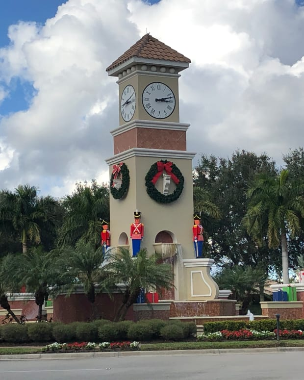 christmas-time-in-florida-a-pantoum-poem-of-paradise-holiday-cheer