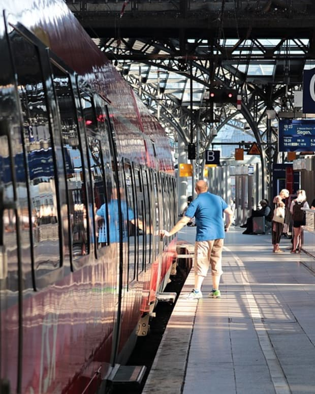 tips-to-travel-by-rajdhani-express-in-india