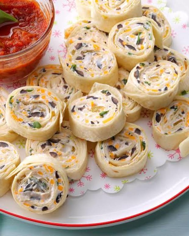 how-to-make-mexican-chicken-pinwheels-with-tortilla