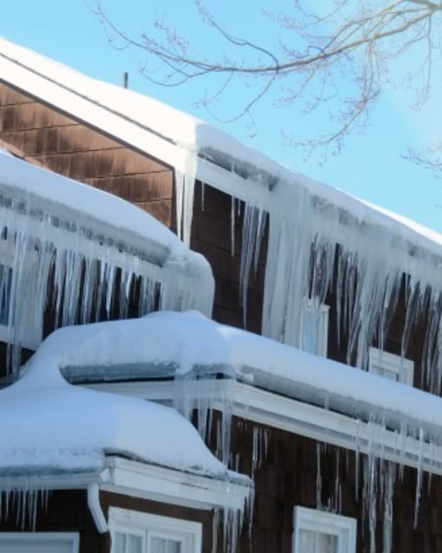 how-icicles-impact-your-roof-and-how-to-get-rid-of