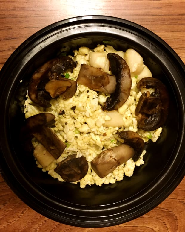 make-this-simple-and-easy-dish-with-cooked-scallops-eggs-and-mushrooms
