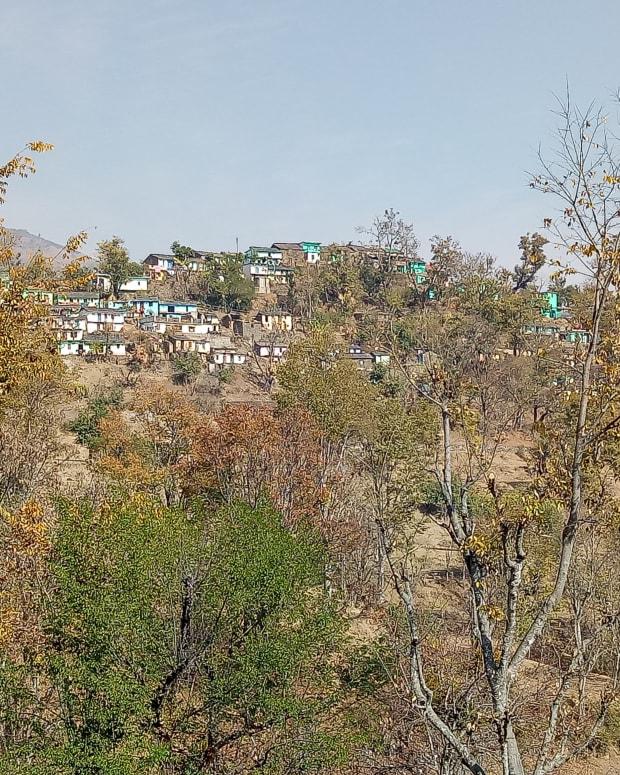 indian-hills-village-life