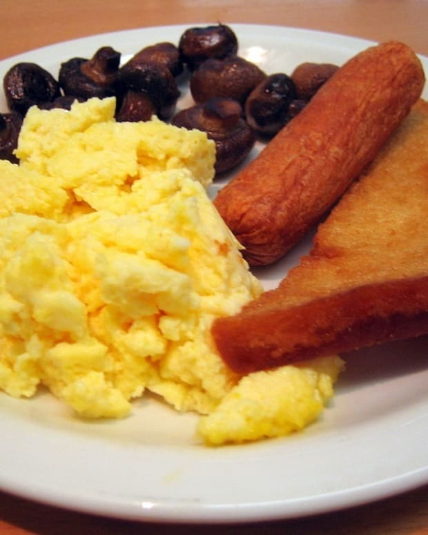 secret-to-light-and-fluffy-scrambled-eggs
