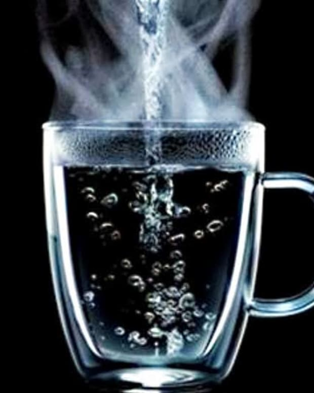 benefits-of-drinking-hot-water-for-humane-life