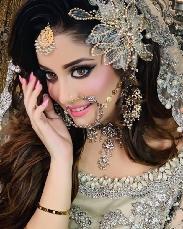 most-beautiful-women-celebrities-of-pakistan