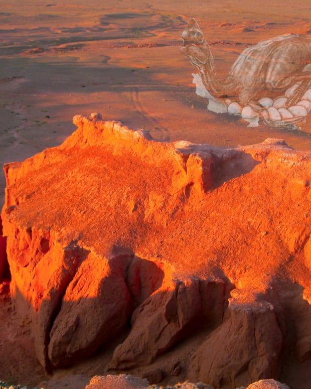 mongolias-gobi-desert-land-of-the-flaming-cliffs-dinosaurs-and-dino-eggs