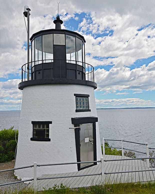 haunted-maine-lighthouses-a-book-review