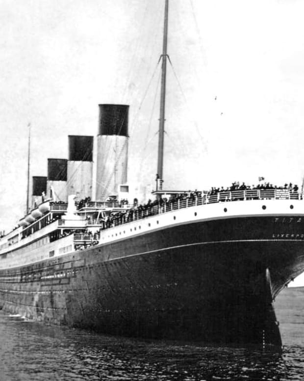 sinking-of-the-titanic-ship-deaths-irish-third-class-passengers-in-steerage-ireland-sank-queenstown-denis-lennon