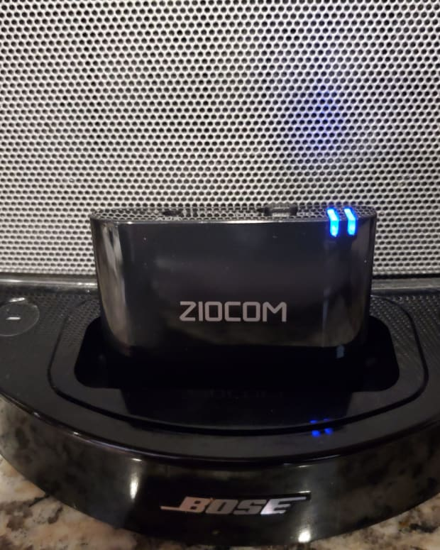 ziocom-30-pin-bluetooth-adapter-for-docking-stations-like-bose-sounddock