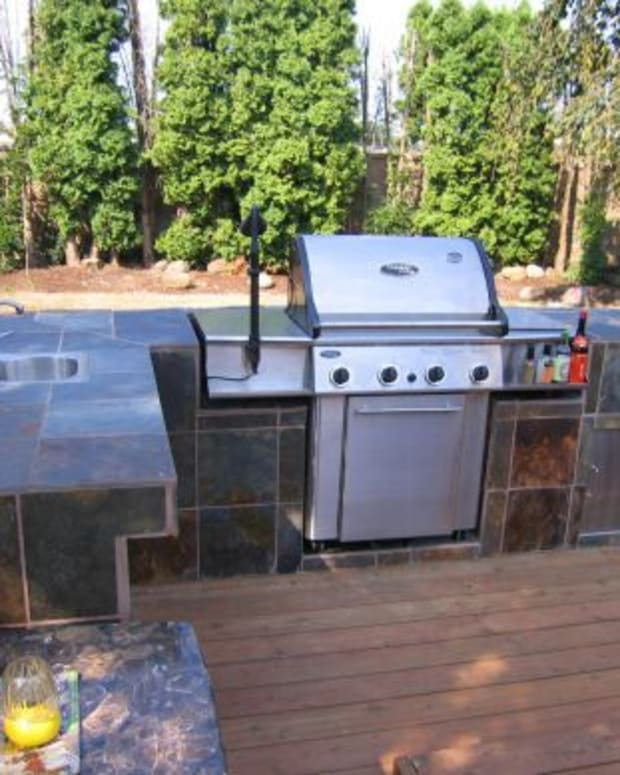 building-outdoor-kitchen-bbq-having-fun-and-saving-thousands