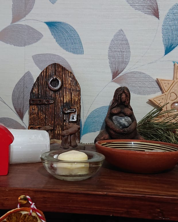 10-ways-to-save-money-buying-pagan-wiccan-and-witchcraft-supplies