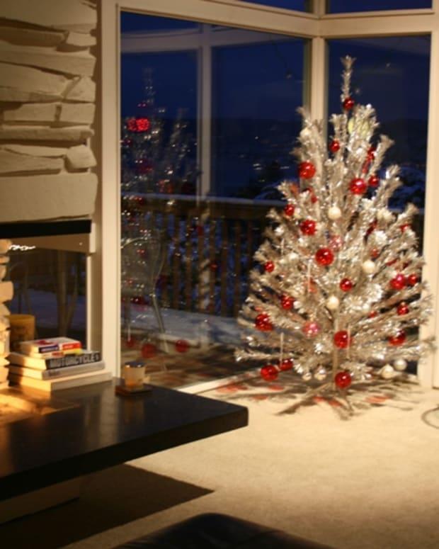 vintage-aluminum-christmas-trees