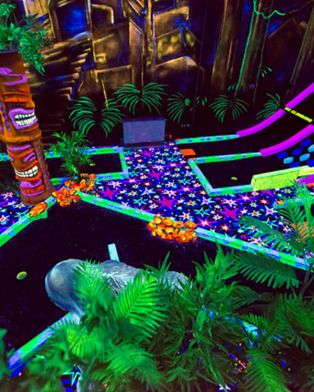 strange-miniature-golf-courses