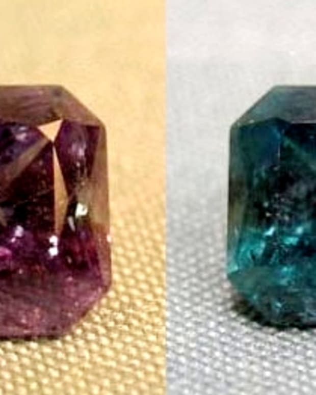 alexandrites-beautiful-gemstones-that-change-color