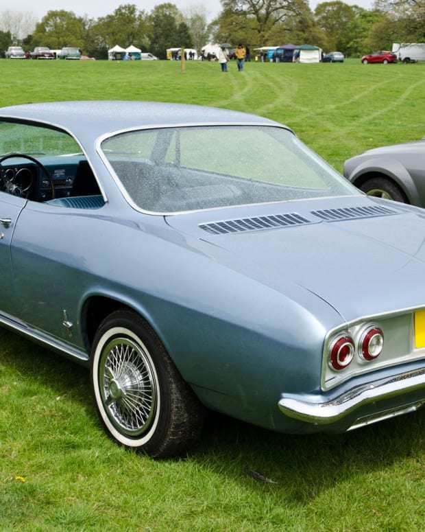 corvair-corsa-or-monza-nearly-identical-classic-cars