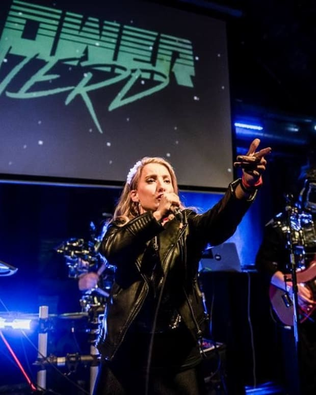 an-interview-with-canadian-synthwave-artist-dana-jean-phoenix