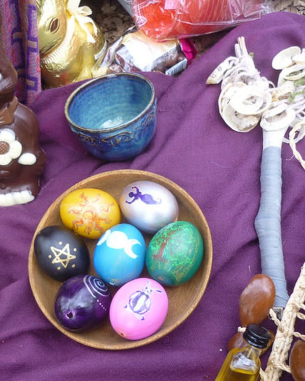 seven-crystals-for-ostara
