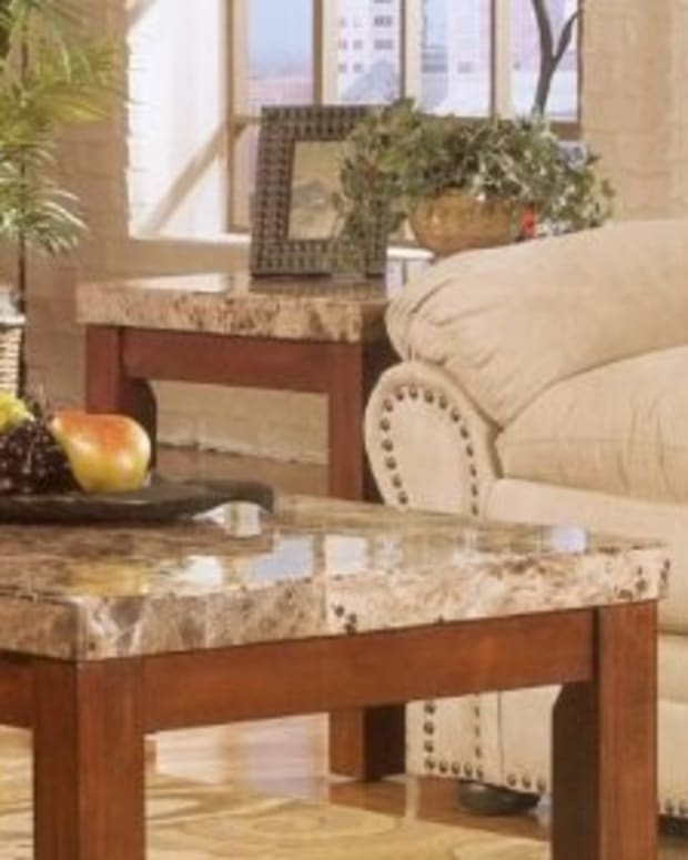 Marble coffee table and end tables by Achillea