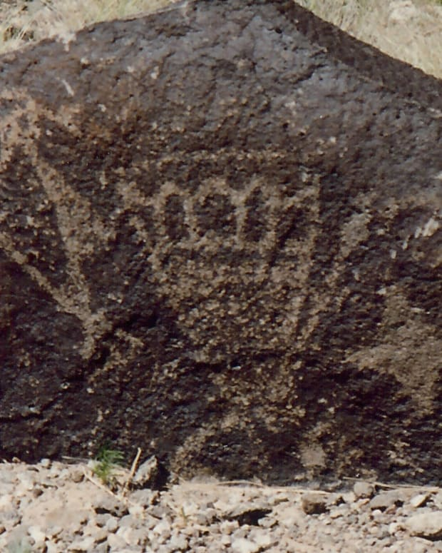 new-mexico-albuquerque-national-monument-petroglyphs-amazing