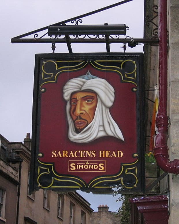 The Saracen's Head - Pub Sign