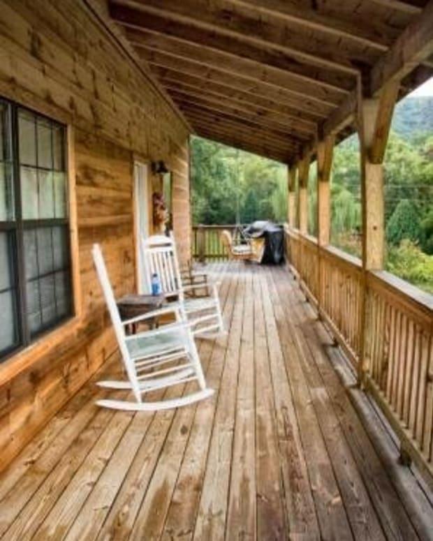 Vacation Home = Escape!              Image courtesy of Bowlingranny/morguefile.com