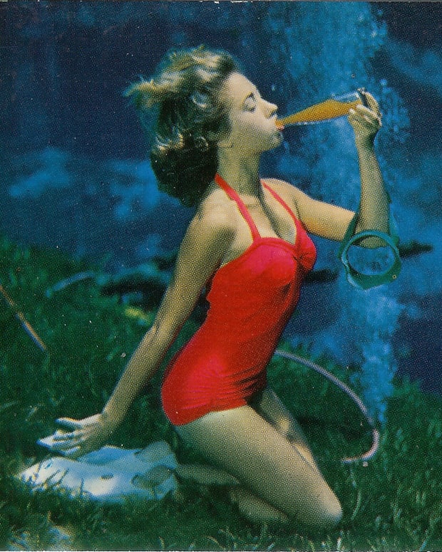 vintage-postcards-showing-underwater-mermaids-in-florida