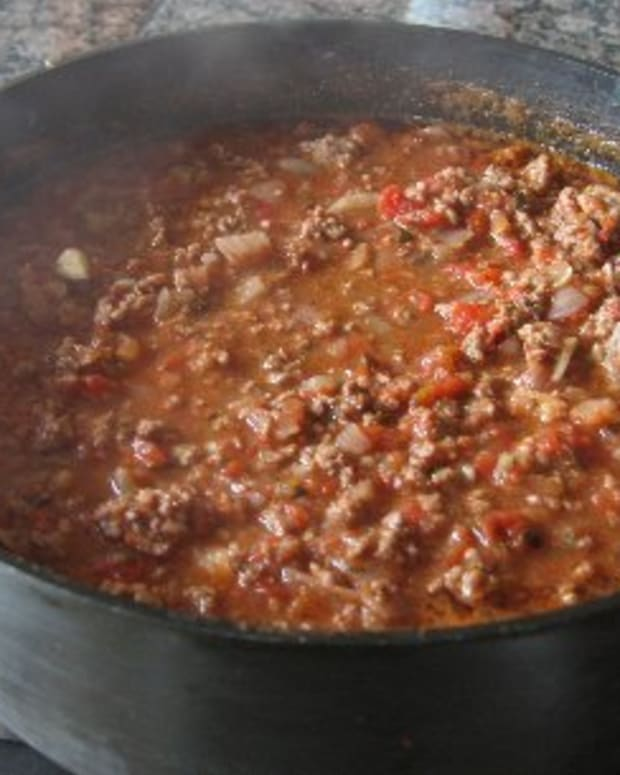 Are you looking for a delicious homemade chili recipe that will have people saying , wow this is the best chili I ever ate then this is the recipe for you.