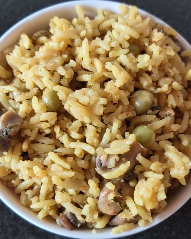 mushroom-peas-pulao-in-cooker-recipe
