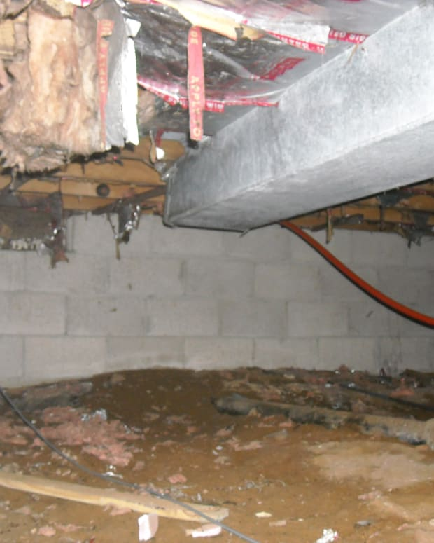 insulating-duct-work-with-spray-foam-insulation