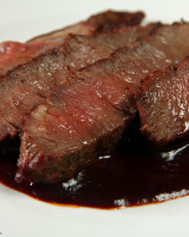 red-wine-vinegar-shallot-and-garlic-reduction-for-steaks