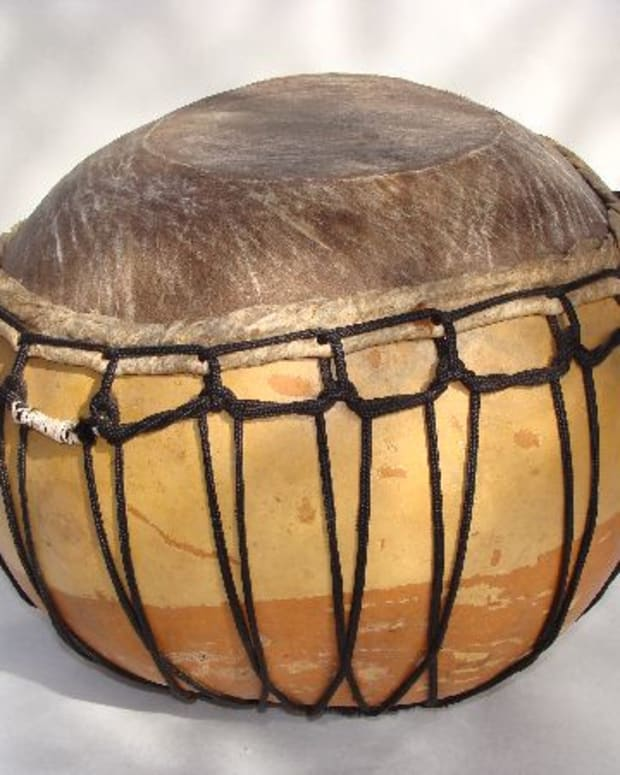 Barra drum from West Africa made out of a big gourd and a goatskin/Photo from www.dunum.ch