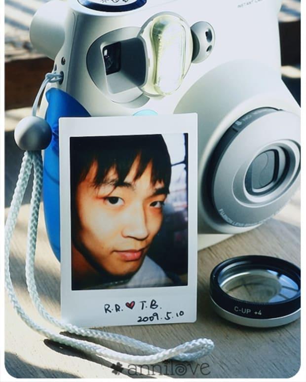 instant-film-camera