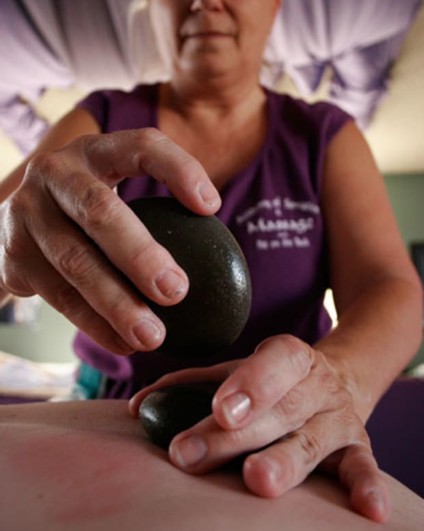 do-it-yourself-hot-stone-massage