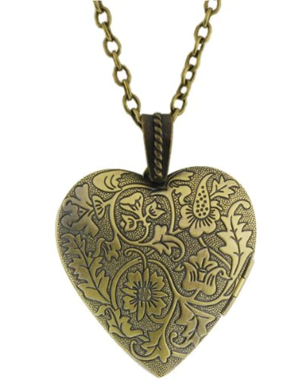 buy-heart-lockets-online
