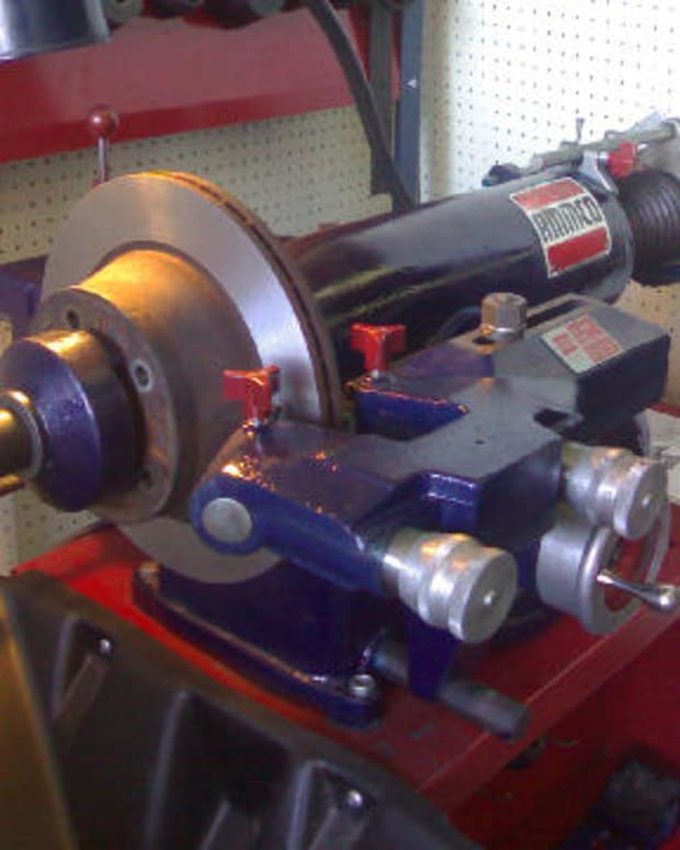 workshop-machinery-brake-lathes
