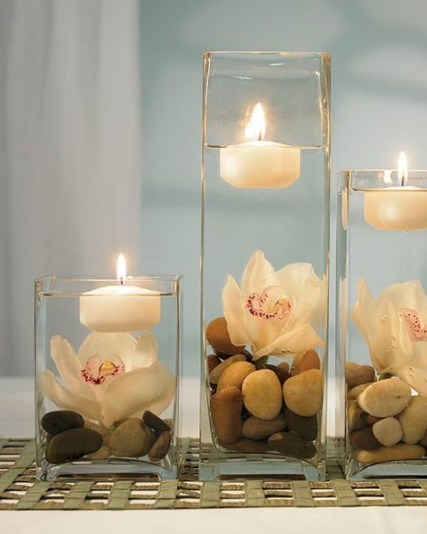 Yes, you can create affordable centerpieces with a designer look!